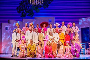 MAMMA MIA! UK & International Tour 2019 - 2020 cast - Photography by Brinkhoff/Mögenburg